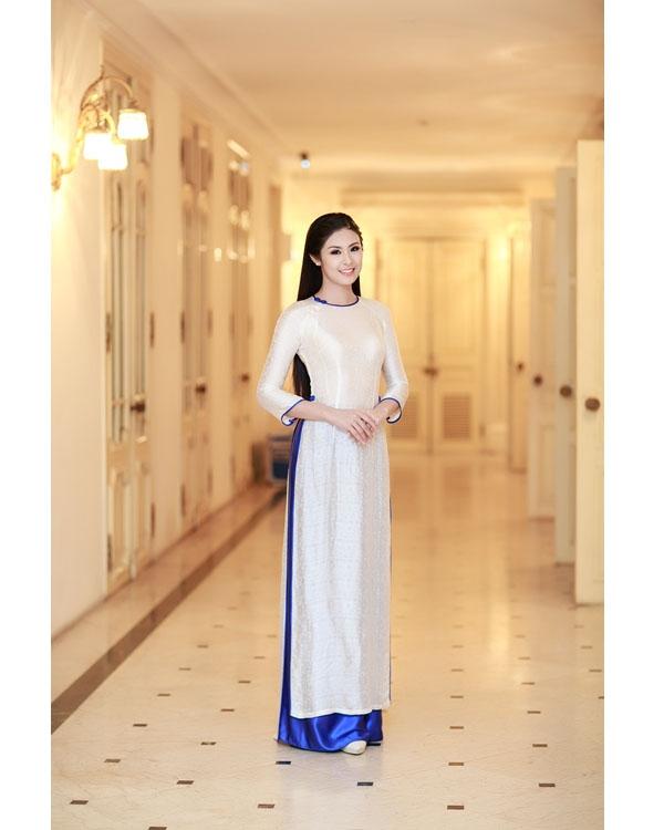 Ngẩn ngơ trước những tà áo dài trắng của hoa hậu, á hậu Việt