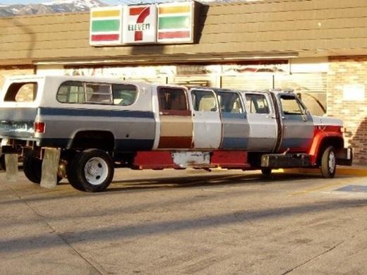 """Dòng họ nhà mình đông người lắm nên sắm chiếc """"siêu xe"""" này là chuẩn luôn.(Ảnh: Innamag)"""