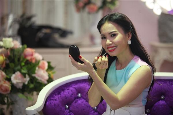 Cẩm Ly trở thành giám khảo Người hùng tí hon để bớt gạch đá - Tin sao Viet - Tin tuc sao Viet - Scandal sao Viet - Tin tuc cua Sao - Tin cua Sao