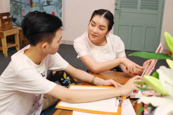 Lý Nhã Kỳ mời họa sĩ 15 tuổi vẽ tranh tặng Xa Thi Mạn - Tin sao Viet - Tin tuc sao Viet - Scandal sao Viet - Tin tuc cua Sao - Tin cua Sao