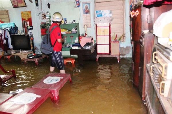 Tình trạng ngập sẽ còn tiếp diễn trong những ngày tới. Ảnh: NH