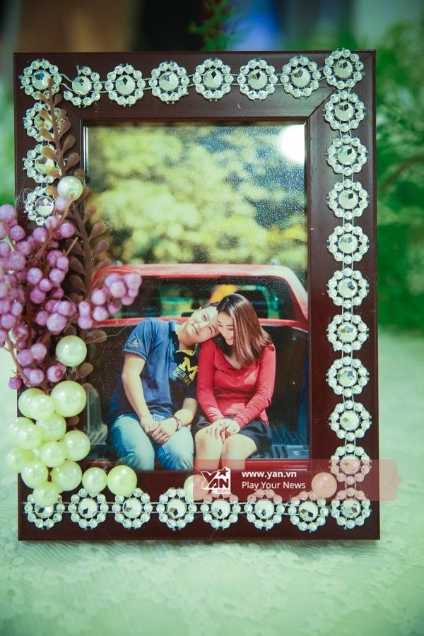 Hình ảnh của cặp đôi được đặt tại sảnh. - Tin sao Viet - Tin tuc sao Viet - Scandal sao Viet - Tin tuc cua Sao - Tin cua Sao