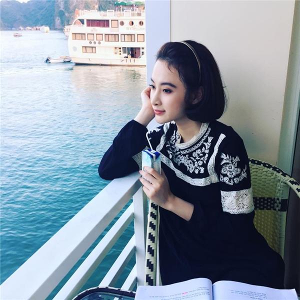 Trước Hà Tăng, nữ diễn viên xinh đẹp Angela Phương Trinh cũng từng thử nghiệm kiểu tóc xinh xắn này.