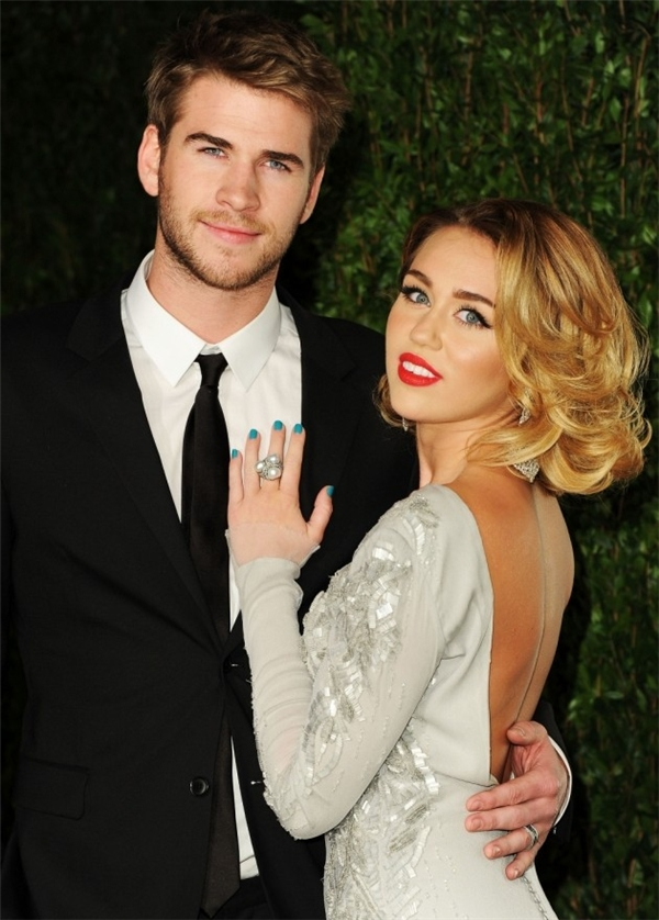 """Liam Hemsworth khẳng định tình cảm với Miley Cyrus """"không bao giờ thay đổi"""""""