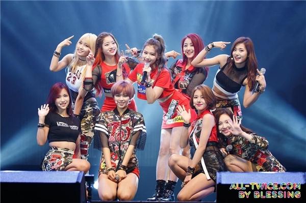 Twice và Red Velvet: Hai tân binh không phải dạng vừa của Kpop
