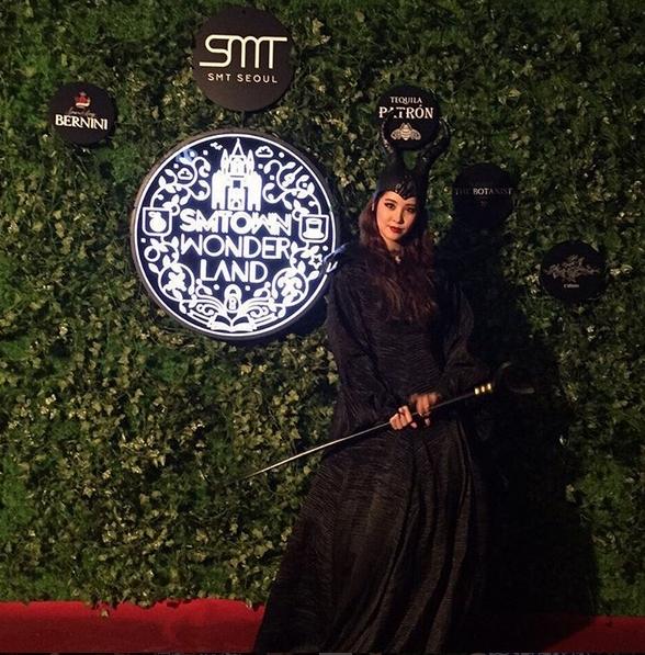 Em út Seohyun phá cách khi cải trang thành phù thủy Maleficent.