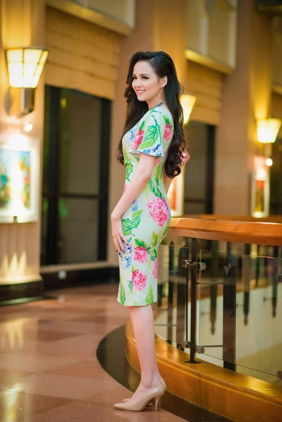 Thời trang tiệc tùng nhìn là mê của hoa hậu Diễm Hương
