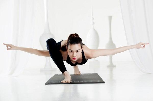 Tập yoga là một lợi thế rất lớn đối với Hồ Ngọc Hà mỗi khi biểu diễn. - Tin sao Viet - Tin tuc sao Viet - Scandal sao Viet - Tin tuc cua Sao - Tin cua Sao