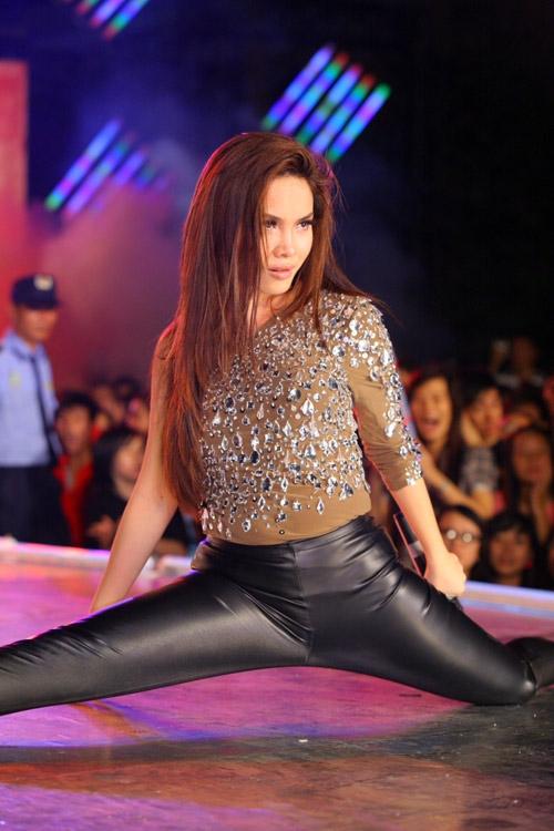 Những màn xoạc chân chỉ có thể có ở mĩ nhân Việt - Tin sao Viet - Tin tuc sao Viet - Scandal sao Viet - Tin tuc cua Sao - Tin cua Sao