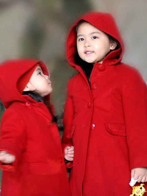 Hình ảnh bé Hạt Dẻ khi tròn 3 tuổi và chị Lọ Lem 6 tuổi. - Tin sao Viet - Tin tuc sao Viet - Scandal sao Viet - Tin tuc cua Sao - Tin cua Sao