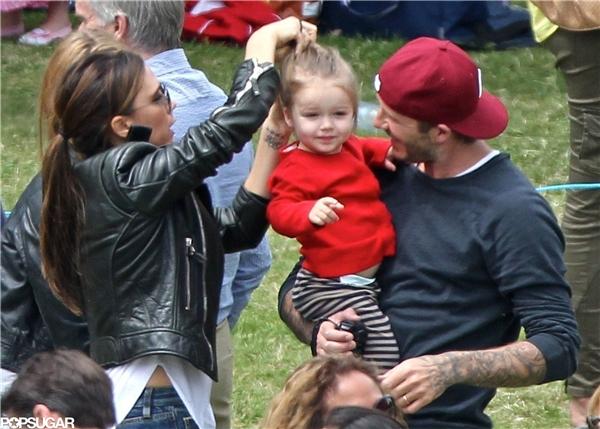 """Mức độ chiều con """"vô đối"""" của David Beckham khiến người hâm mộ vô cùng thích thú và thêm yêu mến gia đình nhỏ của anh hơn. (Ảnh:Internet)"""
