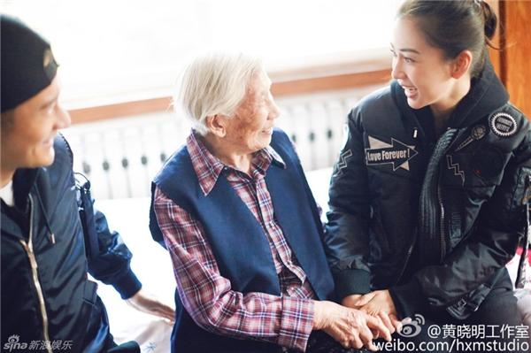 Bà Lục rất thích AngelaBaby.