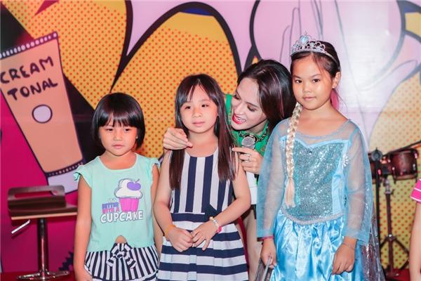 Hương Giang Idol chuẩn bị tấn công các mặt trận - Tin sao Viet - Tin tuc sao Viet - Scandal sao Viet - Tin tuc cua Sao - Tin cua Sao