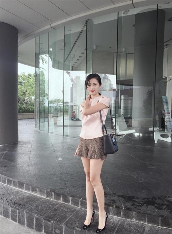 Điểm mặt những mỹ nhân đất Cảng nổi tiếng rần rần showbiz Việt ảnh 5