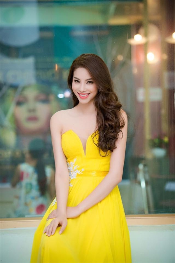 Điểm mặt những mỹ nhân đất Cảng nổi tiếng rần rần showbiz Việt ảnh 16