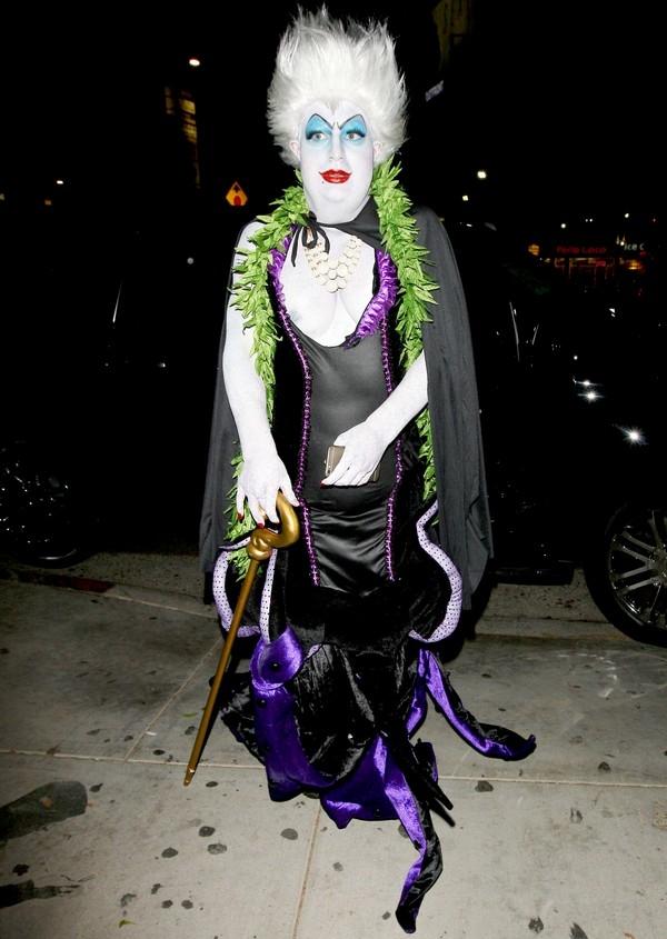 Ngắm sao quốc tế trổ tài hóa trang dọa fan mùa Halloween