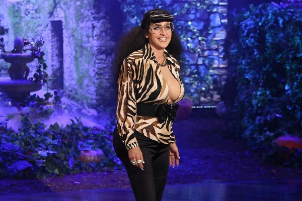 """MC hàng đầu thế giới -Ellen DeGeneres -cho thấy sự sáng tạo không biên giới khi trở thành thành viên mới của gia đình Kim """"siêu vòng ba"""" với tên gọi Karla Kardashian."""