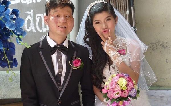 """Cặp đôi hạnh phúc ngày """"nên vợ nên chồng"""".(Ảnh: Internet)"""