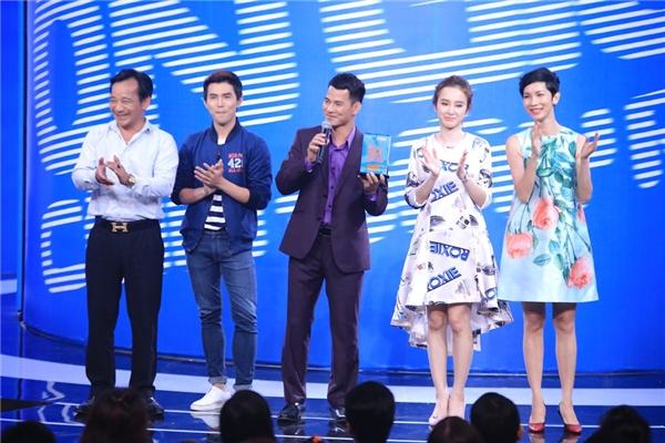 4 khách mời trong tập đầu tiên gồm có Angela Phương Trinh, siêu mẫu Xuân Lan, Will (365) và diễn viên hài Quang Tèo. - Tin sao Viet - Tin tuc sao Viet - Scandal sao Viet - Tin tuc cua Sao - Tin cua Sao