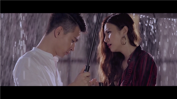 Với những cảnh quay lãng mạn, Hạnh Sino và Tùng Mini đem đến cho khán giả một tìnhyêu đẹp, đầy nước mắt. - Tin sao Viet - Tin tuc sao Viet - Scandal sao Viet - Tin tuc cua Sao - Tin cua Sao