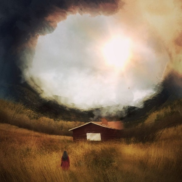 Không khó để nhận ra cảm giác ma quái ám ảnhtrong những tác phẩm của Melissa.