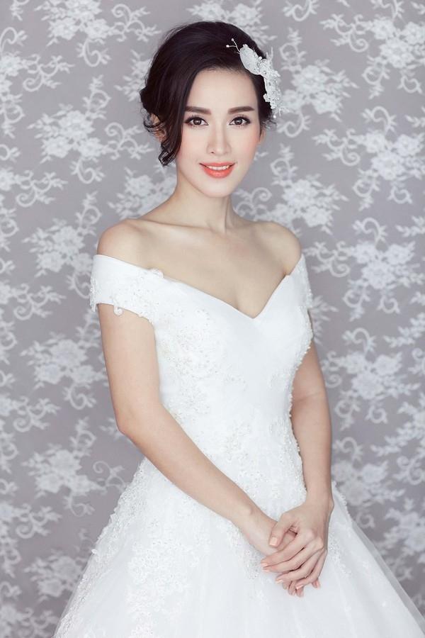 Tú Vitrông như một thiên thần khi khoác lên bộ váy cướithiết kế bởiChung Thanh Phong - Tin sao Viet - Tin tuc sao Viet - Scandal sao Viet - Tin tuc cua Sao - Tin cua Sao