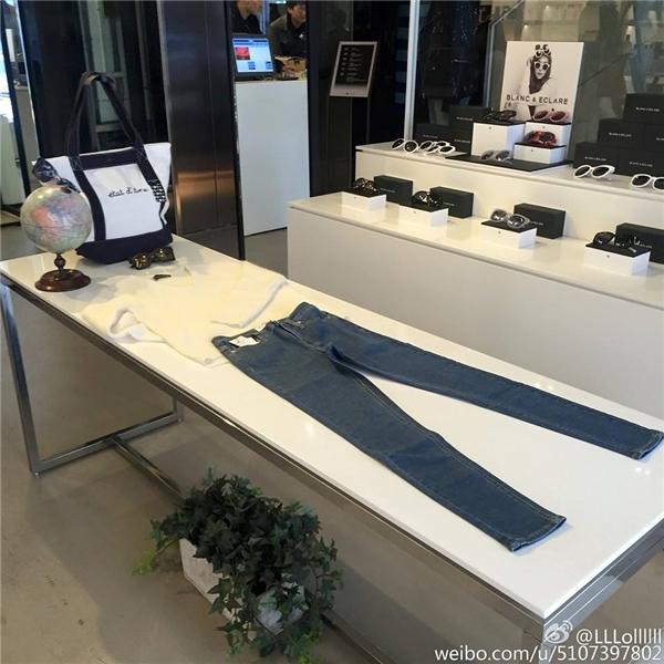 Các sản phẩm do Jessica thiết kế được trưng bày trong cửa hiệu