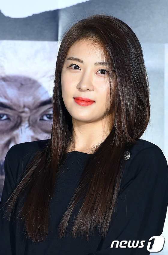 Những ngọc nữ Hàn trên 30 vẫn cô đơn lẻ bóng