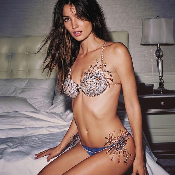 Lóa mắt với bộ nội y hơn 40 tỉ đồng của Victoria's Secret 2015