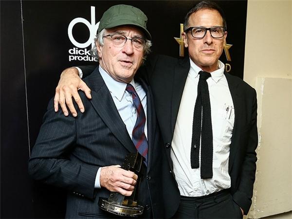 Ông nhận giải thưởng danh giá tại Hollywood Film Awards lần thứ 19.
