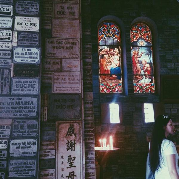 Người ta tìm đến đây không chỉ để cầu nguyện mà còn vì khoảng lặng thanh bình hiếm hoi giữa thành phố nhộn nhịp.(Ảnh: IG @bellastoddart)