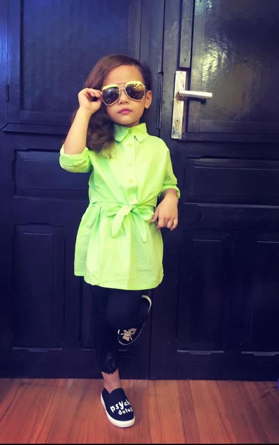 Nam Phương vừa toát lên phong thái tự tinnhưng vẫn mang những nét rất đáng yêu và hồn nhiên của một cô bé 5 tuổi. (Ảnh: Internet)