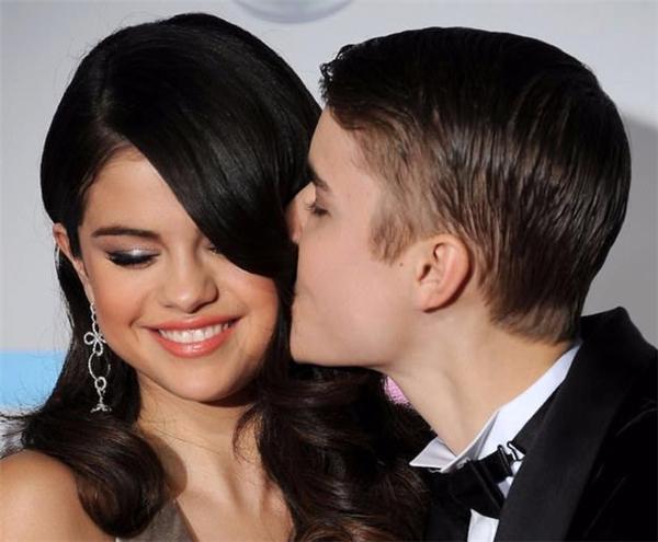 Justin Bieber: Tôi chưa bao giờ ngừng yêu Selena