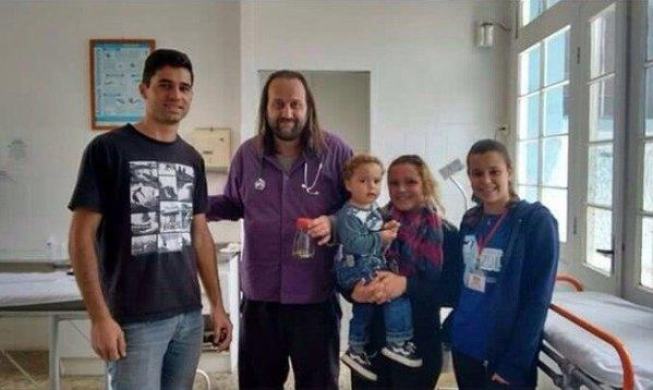 Gia đình cậu bé Lorenzo(Ảnh: Internet)
