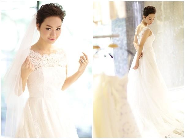 Nữ ca sĩ đất Hà thành ngọt ngào, thanh lịch trong mẫu váy trắng có phom dáng cổ điển. Được biết, cả hai thiết kế này đều được nhà thiết kế Chung Thanh Phong đo ni đóng giày cho Trà My Idol.