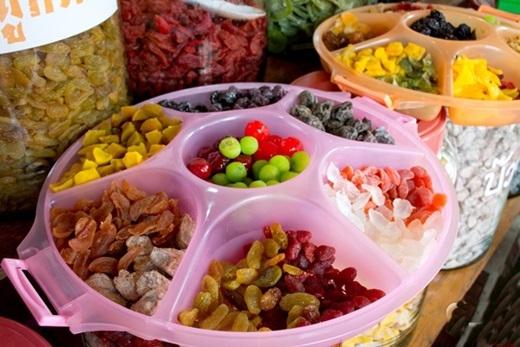 Những loại trái cây phổ biến ở vùng này bao gồm dứa, đào, mận… được tận dụng để sản xuất ra nhiều chế phẩm đa dạng như rượu, trái cây tươi, trái cây sấy khô. (Ảnh: True Life)