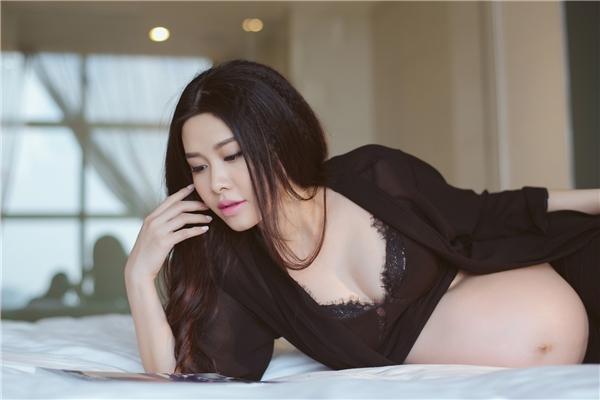 Bộ hình được thực hiện vớisự giúp đỡ của stylist Thai DonP, chuyên gia trang điểm Derek Yuan. - Tin sao Viet - Tin tuc sao Viet - Scandal sao Viet - Tin tuc cua Sao - Tin cua Sao