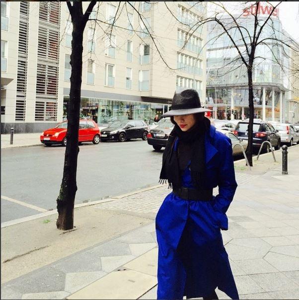 Hình ảnh của Hà Hồ trên đường phố châu Âu dường như không thua kém bất kì fashionista hàng đầu nào trên thế giới.