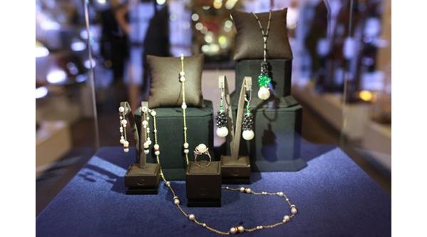 Những bộ trang sức kim cương tiền tỉ trong triển lãm của Lý Nhã Kỳ