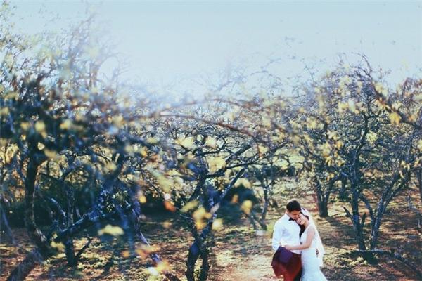 Tuy mới hẹn hò được 3 tháng nhưng cặp đôi quyết định sẽ sớm kết hôn. (Ảnh: Internet)