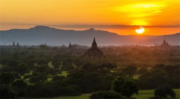 Bagan được cho là một trong những điểm ngắm hoàng hôn đẹp nhất trên thế giới. (Ảnh: Internet)