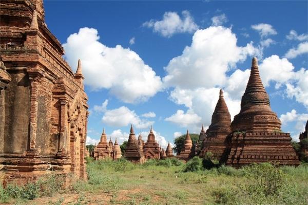 Vẻ đẹp phảng phất dấu ấn thời gian của những tàn tích ở Myanmar.(Ảnh: Internet)