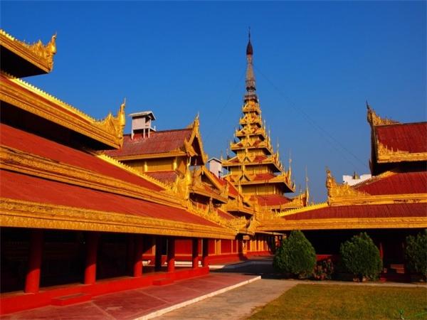 Cung điện Hoàng gia Mandalay là cung điện cuối cùng của Hoàng gia Myanmar.(Ảnh: Internet)