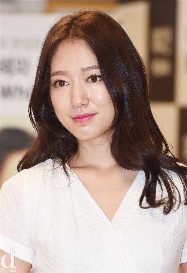 Fan bấn loạn khi đôi bạn thân Park Shin Hye và Hongki sắp yêu nhau