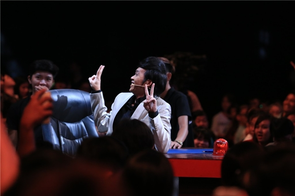 Giám khảo Hoài Linh luôn nhận được nhiều tình cảm từ phía khán giả. - Tin sao Viet - Tin tuc sao Viet - Scandal sao Viet - Tin tuc cua Sao - Tin cua Sao
