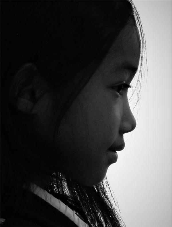 Cô bé Tây Nguyên xinh đẹp trong bộ ảnh của phượt thủ Đăng Khoa.(Ảnh:Internet)