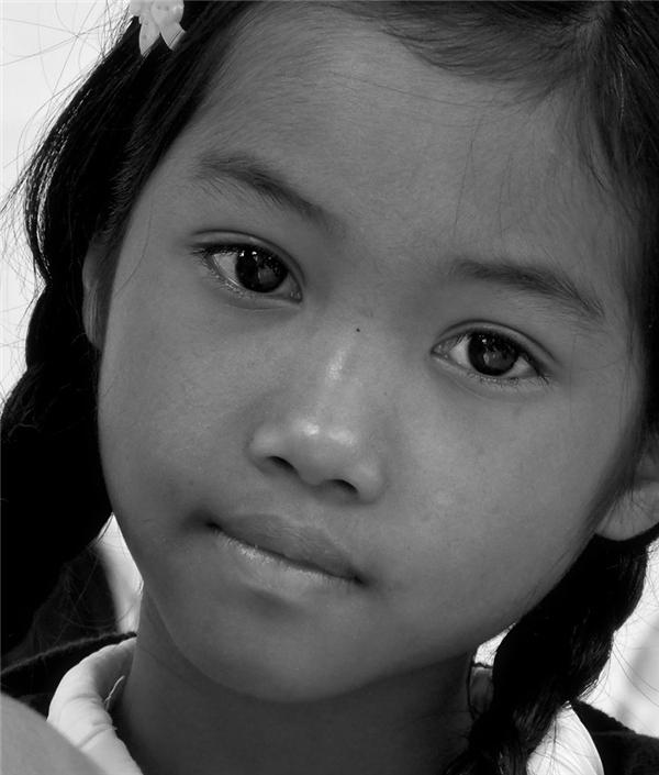 Ngây dại với đôi mắt hút hồn của cô bé Tây Nguyên