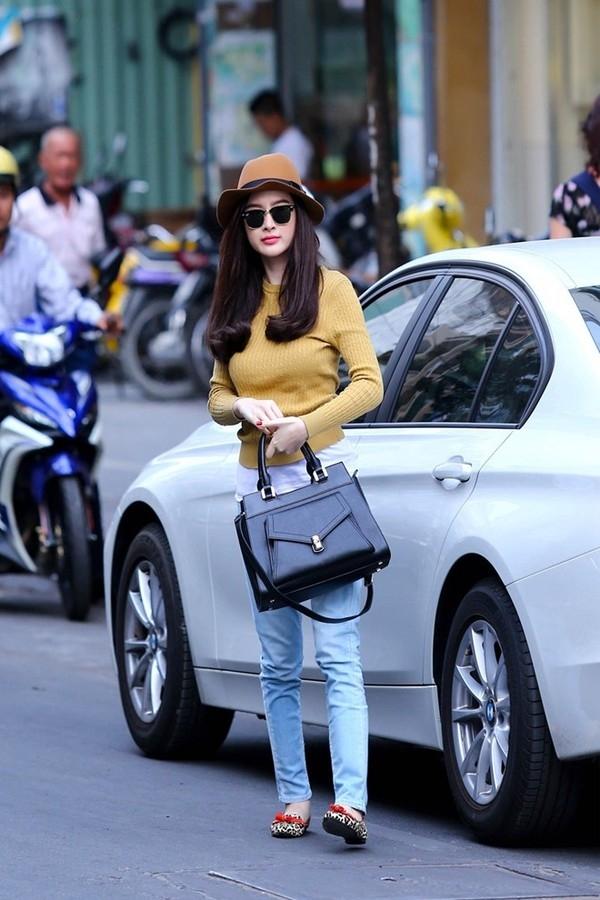 Sao Việt đụng hàng sao ngoại: Ai mặc đẹp hơn?