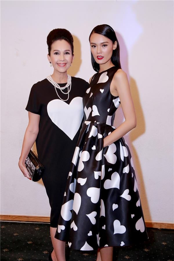 Diễm My cũng là một trong những người đầu tiên được sở hữu thiết kế trong bộ sưu tập Thu - Đông 2015 của nhà thiết kế Đỗ Mạnh Cường.