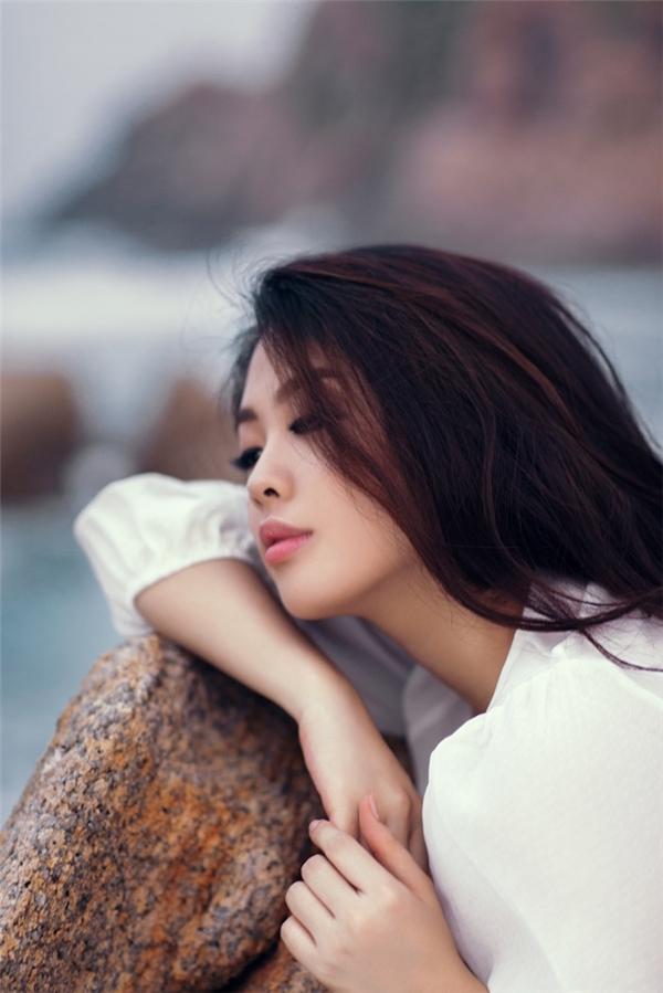 """Khánh Tiên mạnh mẽ gạt bỏ nỗi đau """"hậu chia tay"""""""